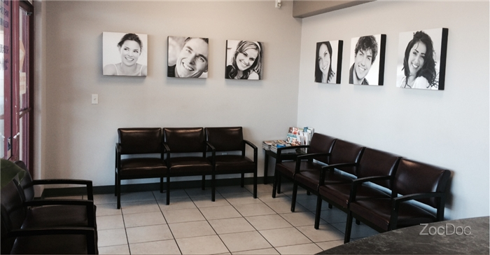 The waiting area in the entry way | Avalon Dental in Carson, CA Location